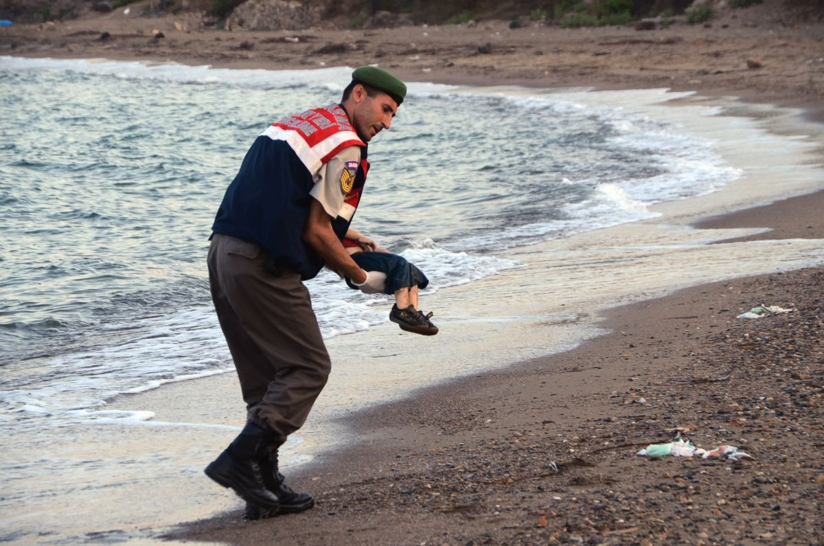 Syrian child Turkish beach