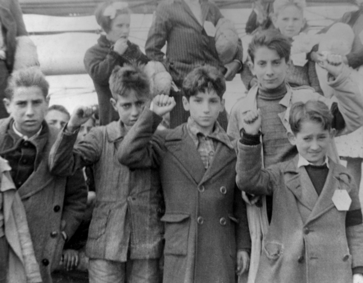 Basque children ready to be evacuated