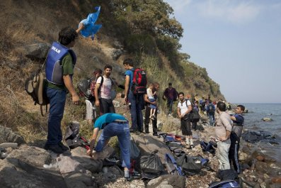 Billionaire wants to buy refugees Greek island