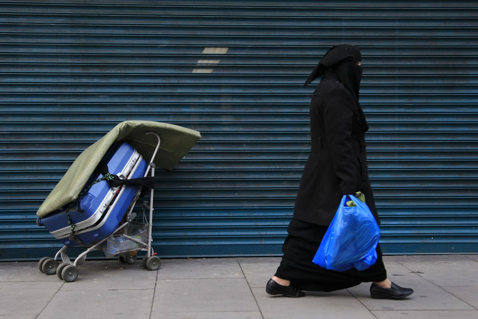 Muslim woman veiled London
