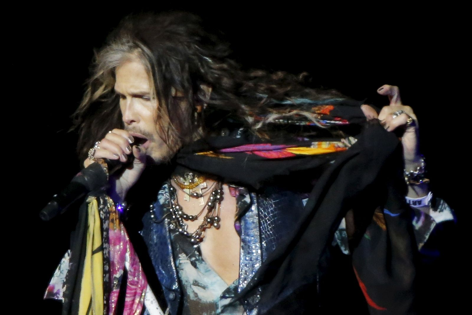 watch steven tyler pictures to pin on pinterest