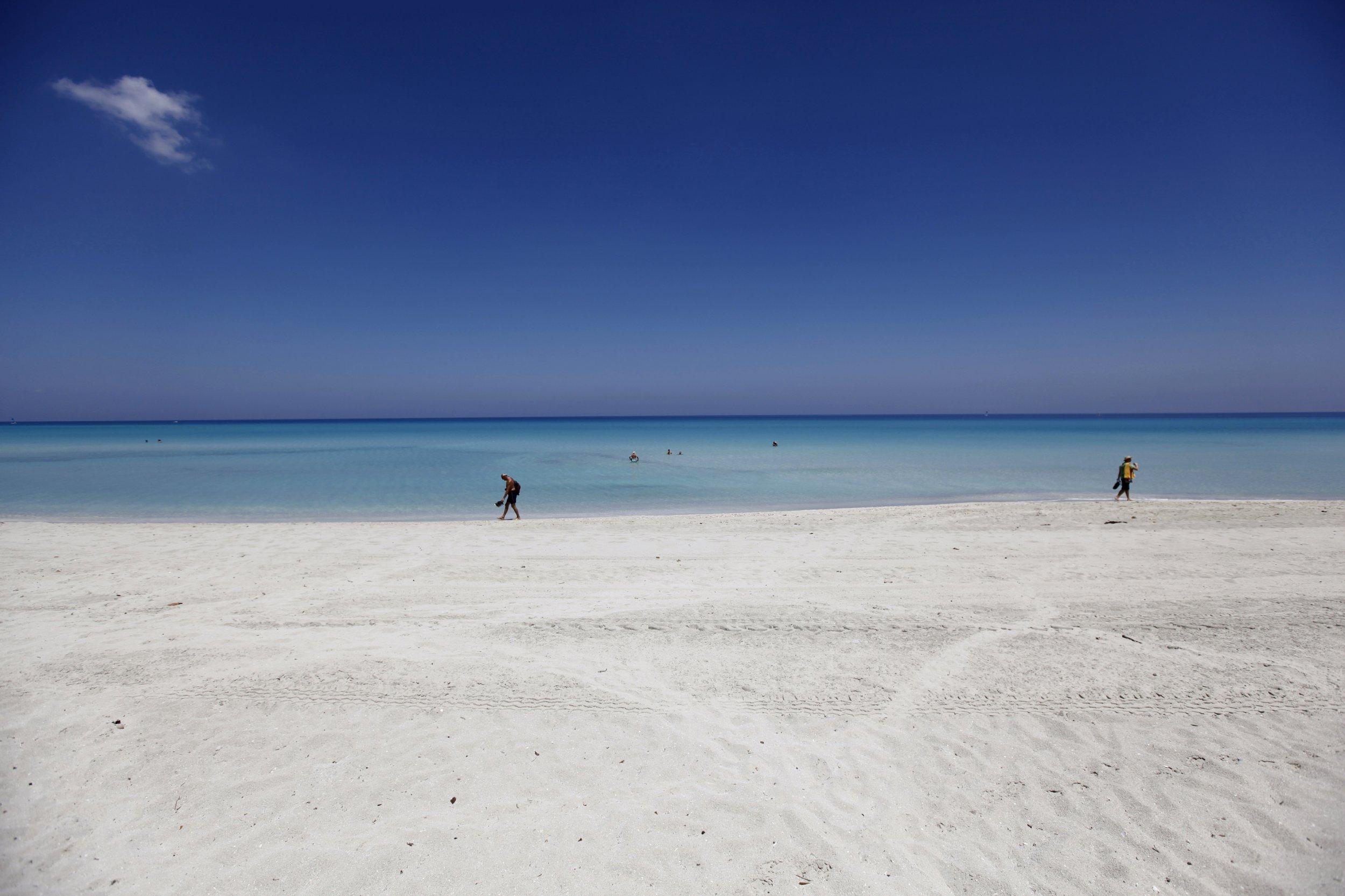 9/7 White Beaches Fish Poop