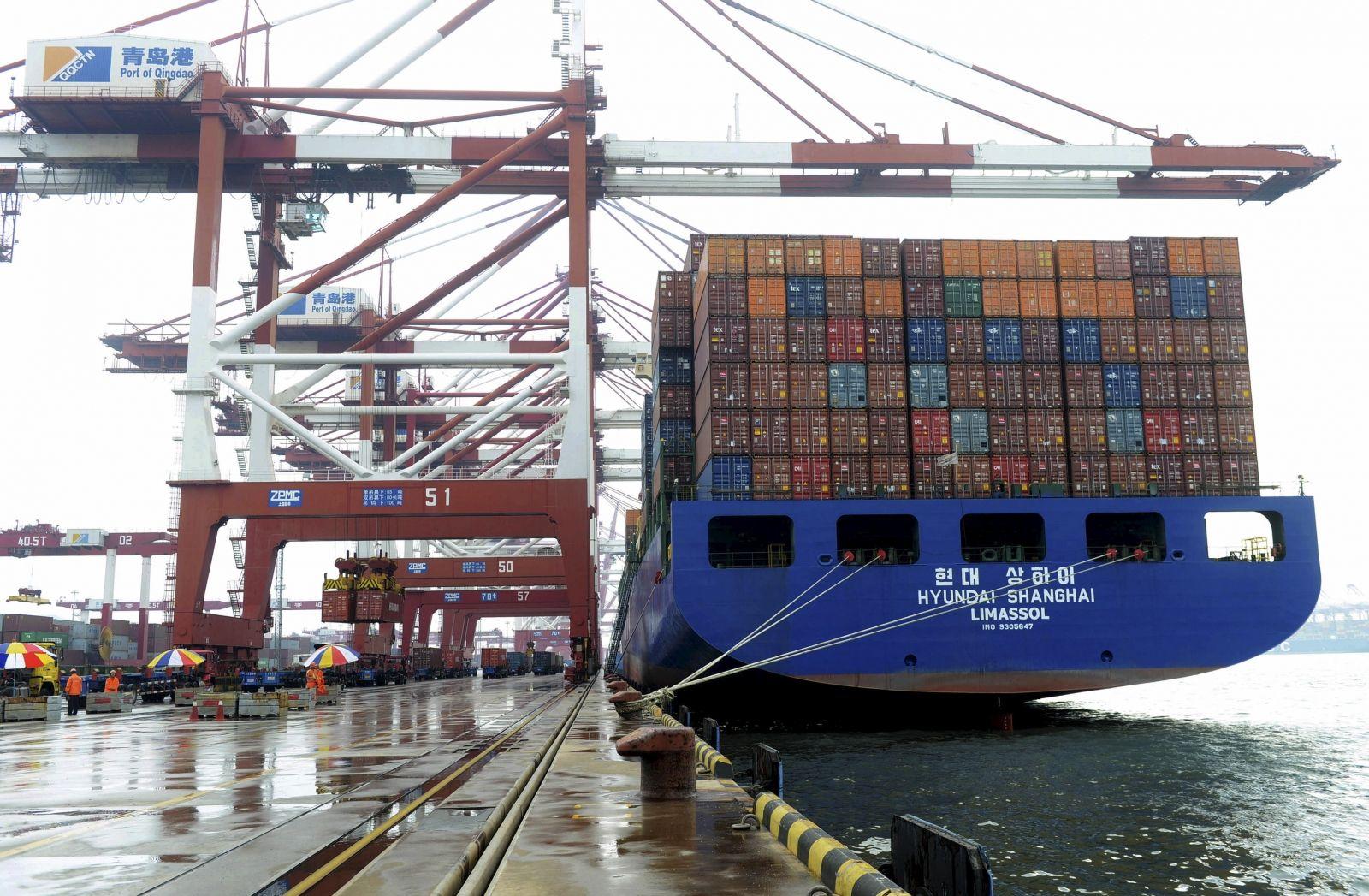 China imports fall