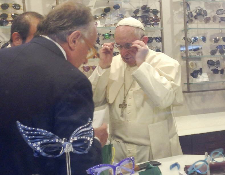 9/9 Pope Francis Eye Glasses