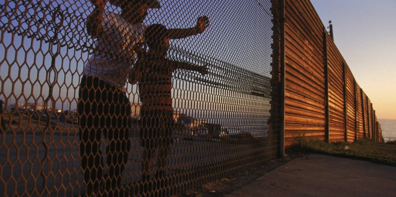09_25_Immigration_01