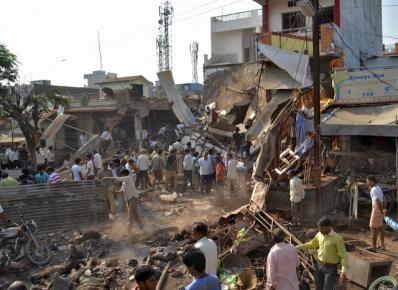 09_12_2015_india_explosion