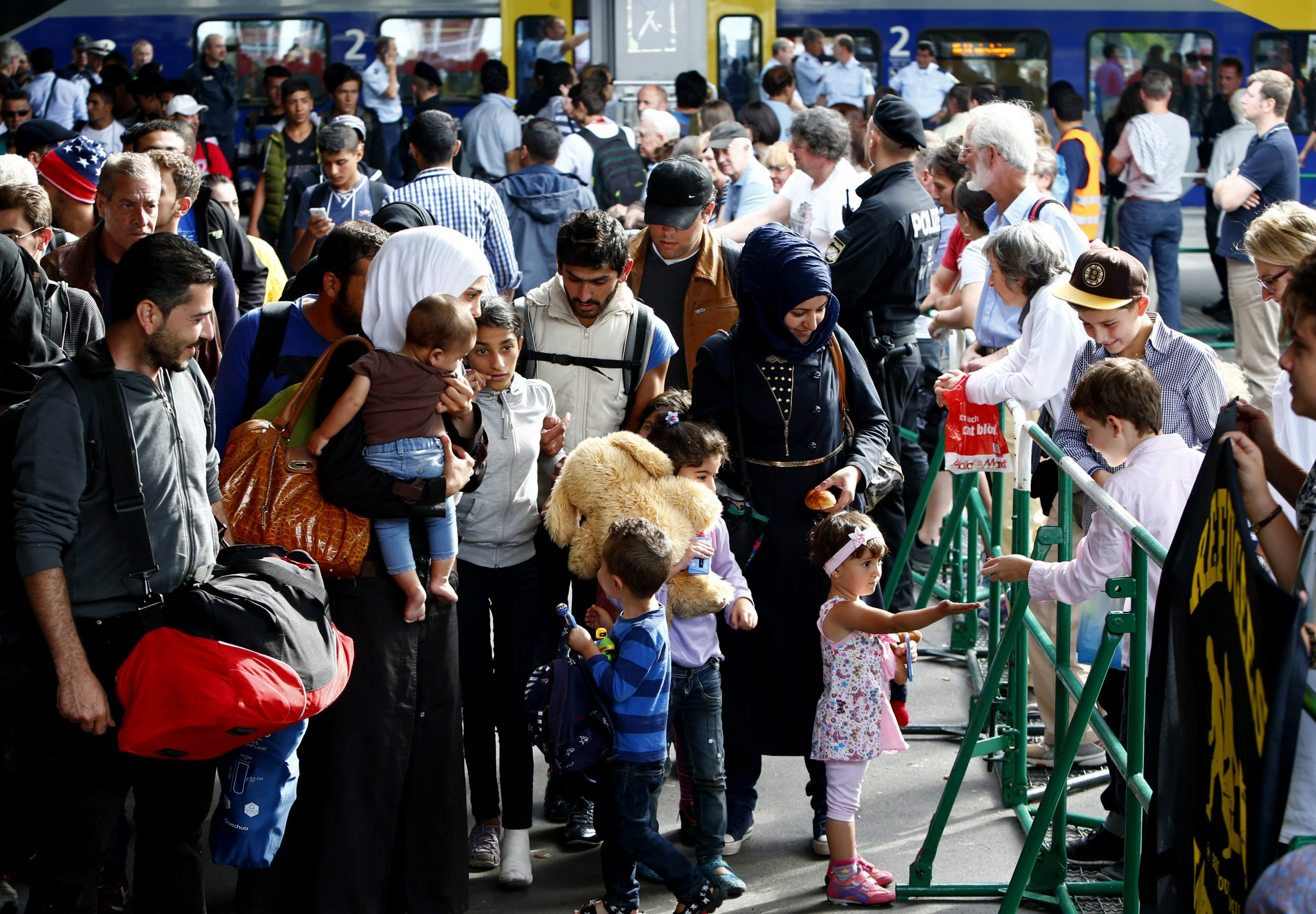 09_13_2015_germany_refugees