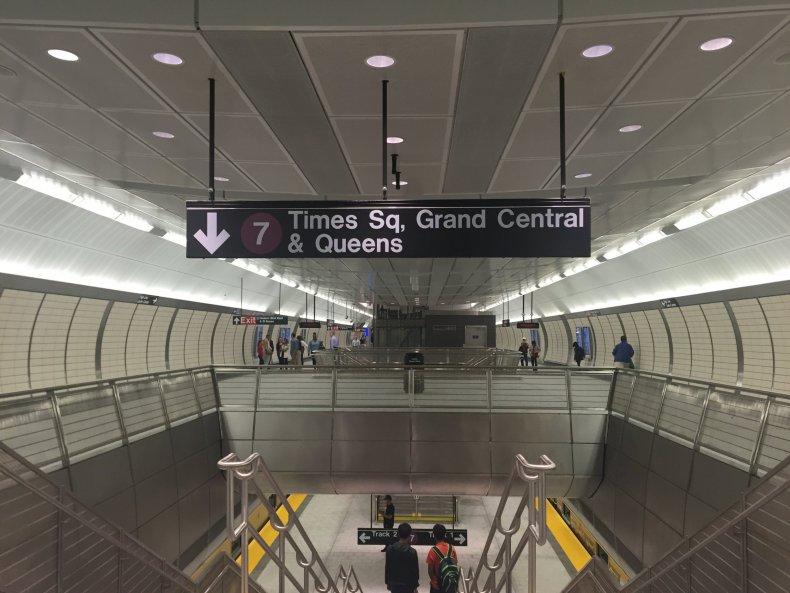 09_14 hudson yards subway 01