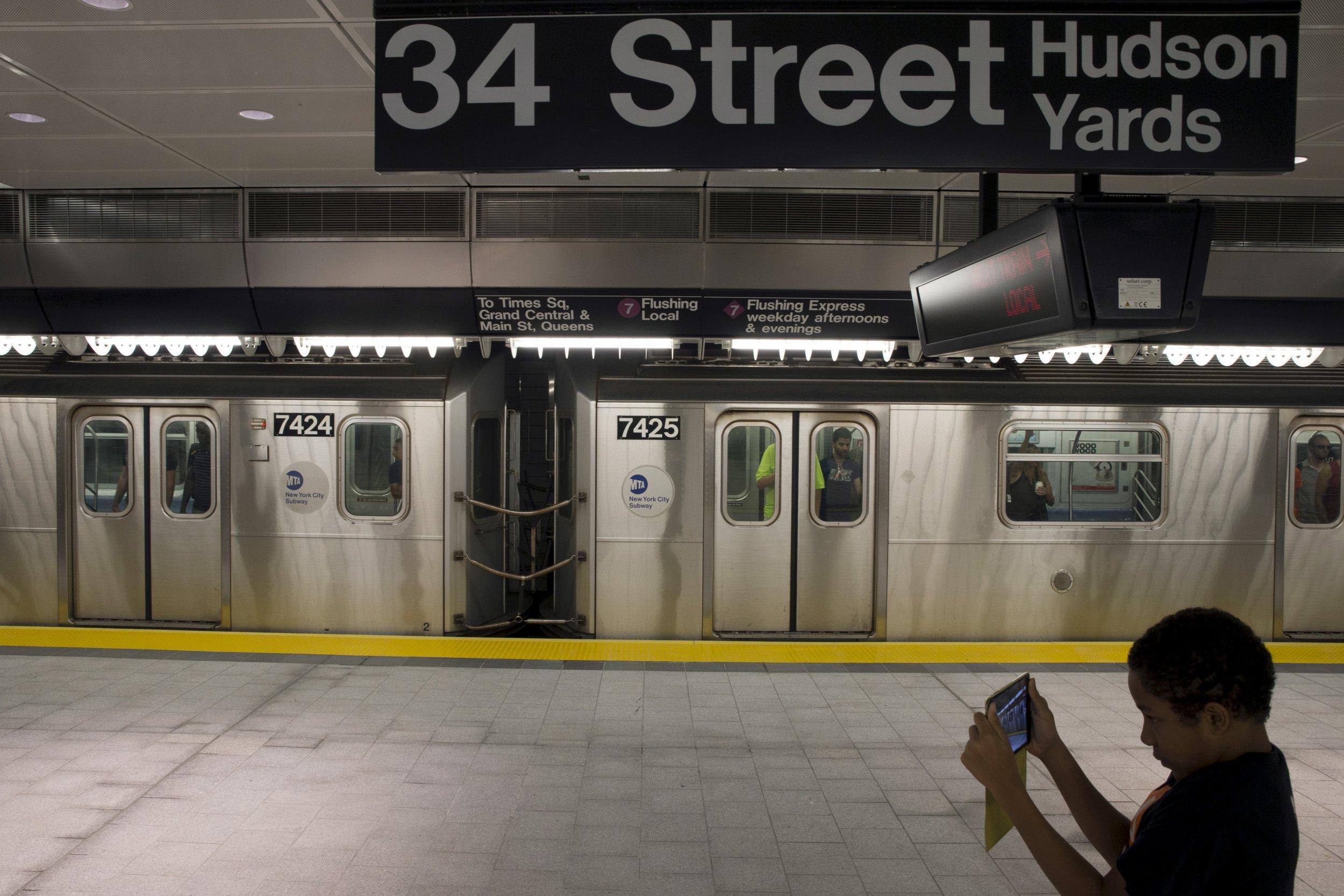 New York S Newest Subway Station A Gateway To Dubai On