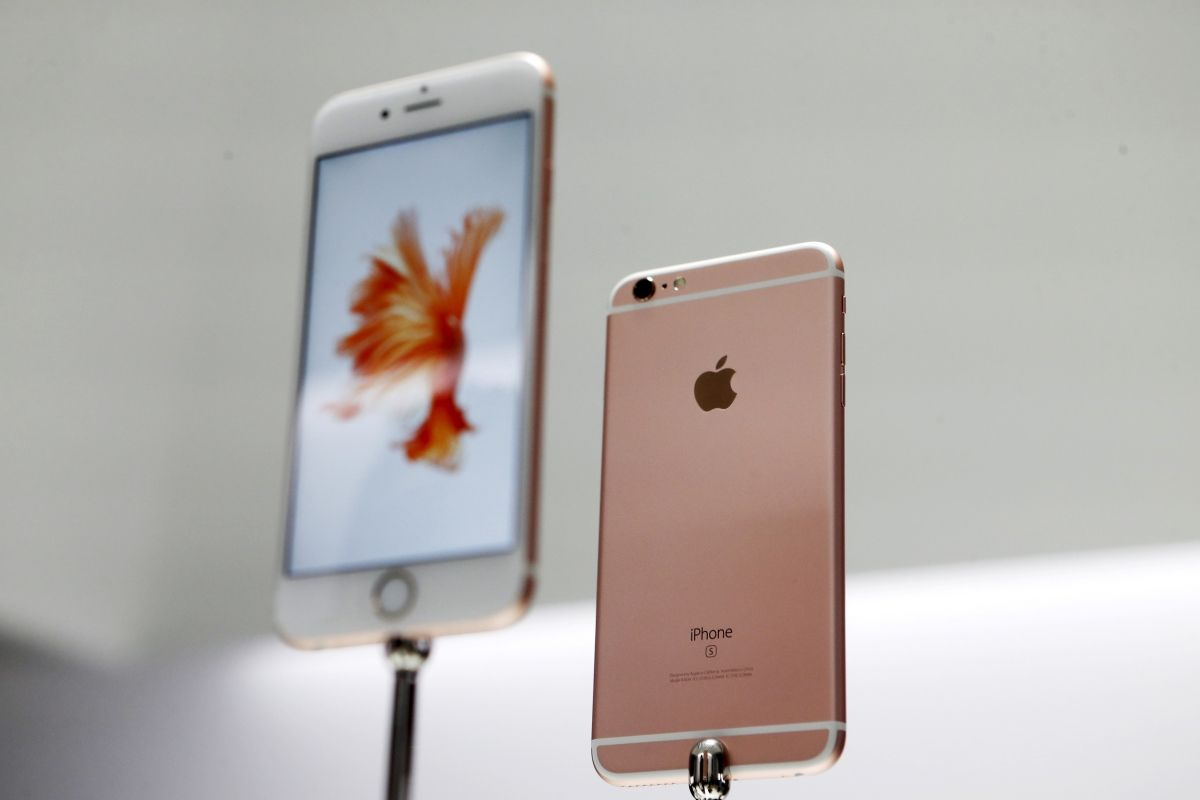 Apple iPhone 6S record-breaking sales