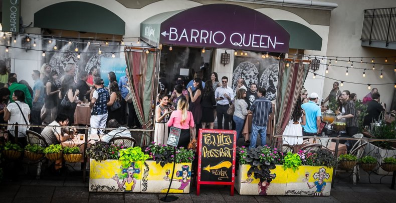 Barrio Queen 12
