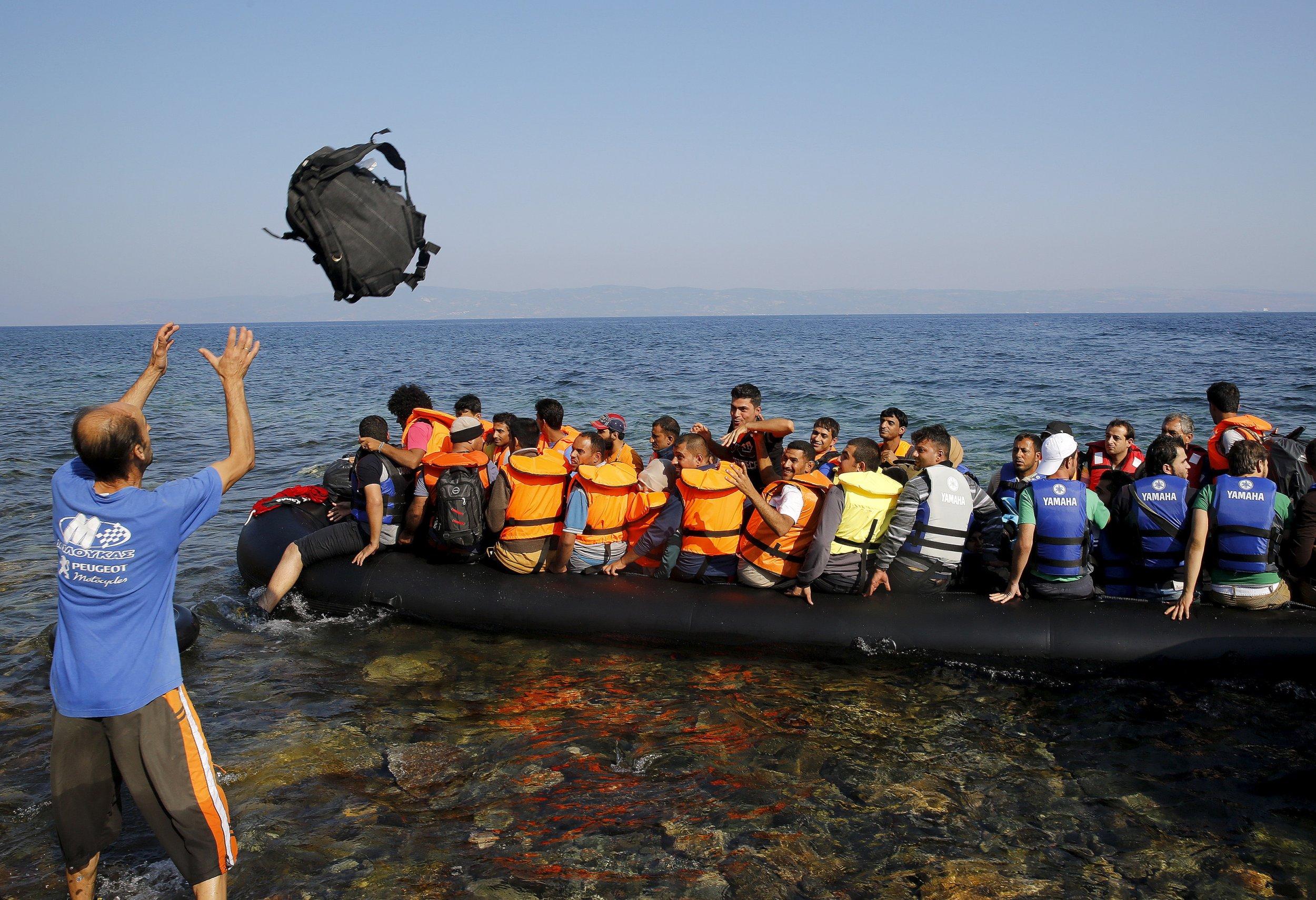 09_20_2015_refugees_greece