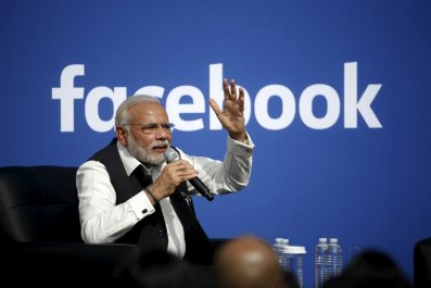Narendra Modi vists Facebook headquarters
