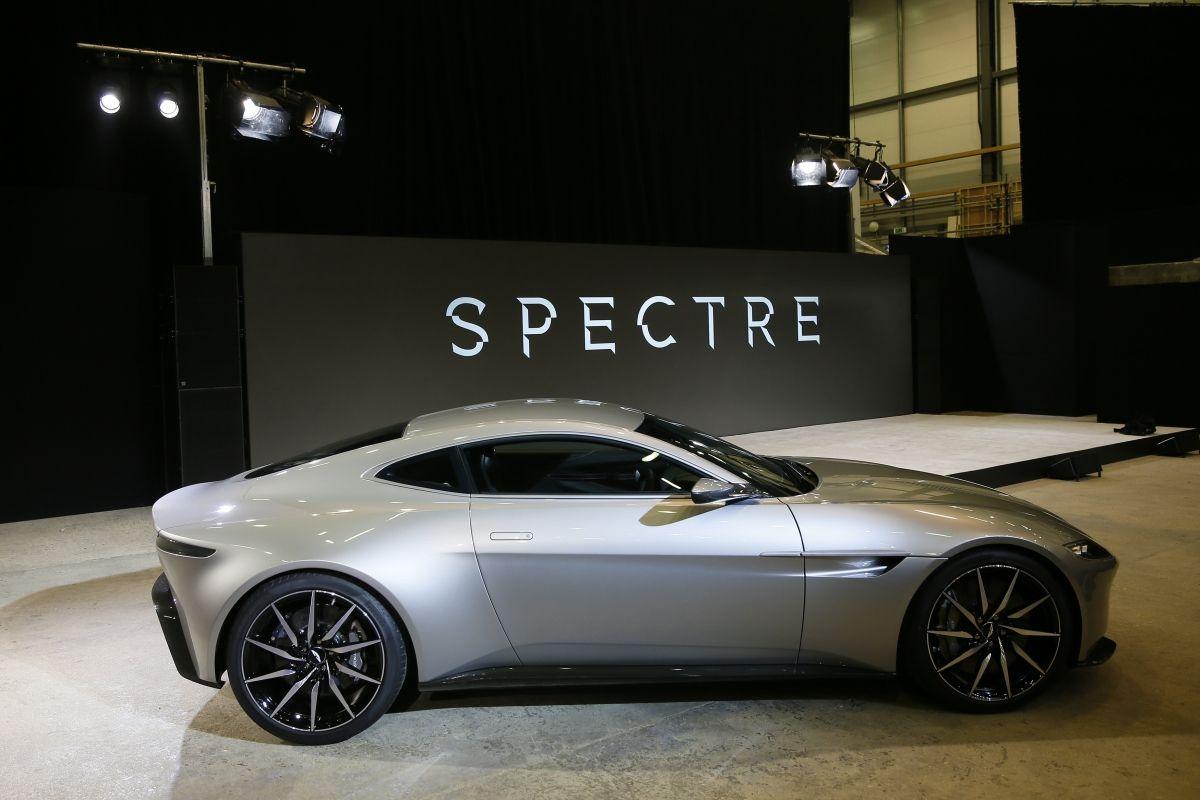 new james bond film racks up 36 million in damaged cars. Black Bedroom Furniture Sets. Home Design Ideas