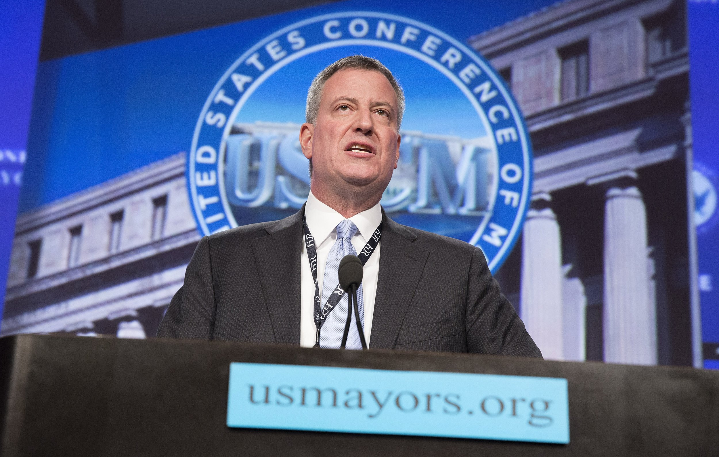 0930_Mayor_Bill_de_Blasio_Iowa_forum_01