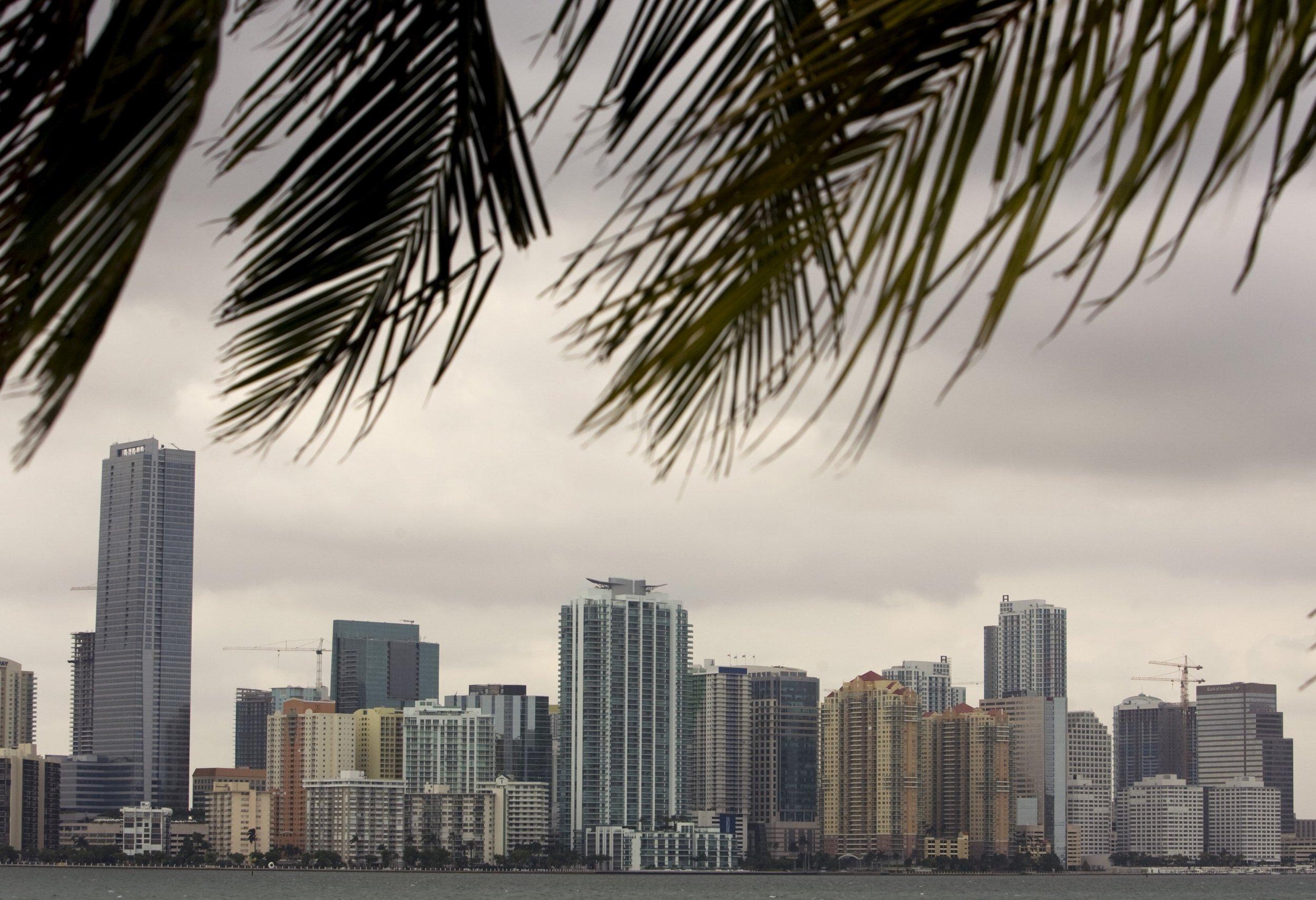 1001_Miami_explostion_01