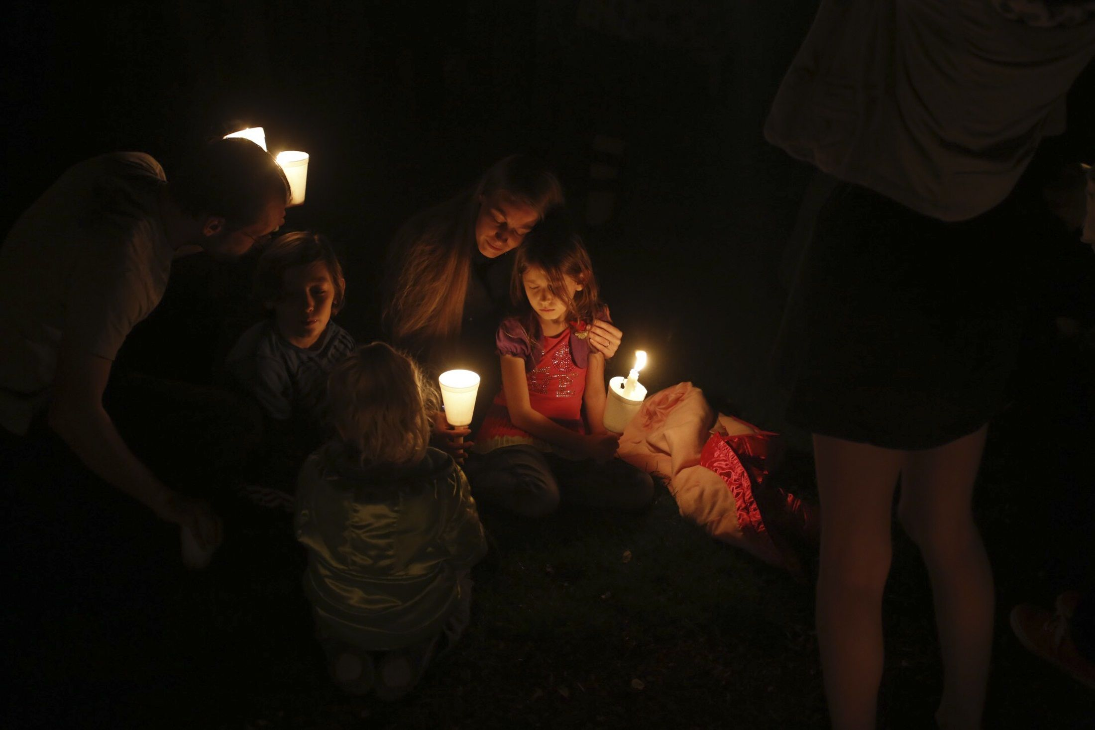 1002_Oregon_shooting_vigil_01