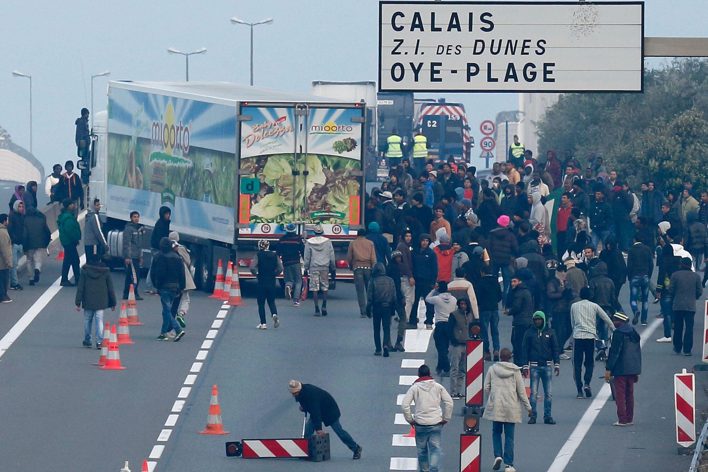 10_03_2015_migrants_calais
