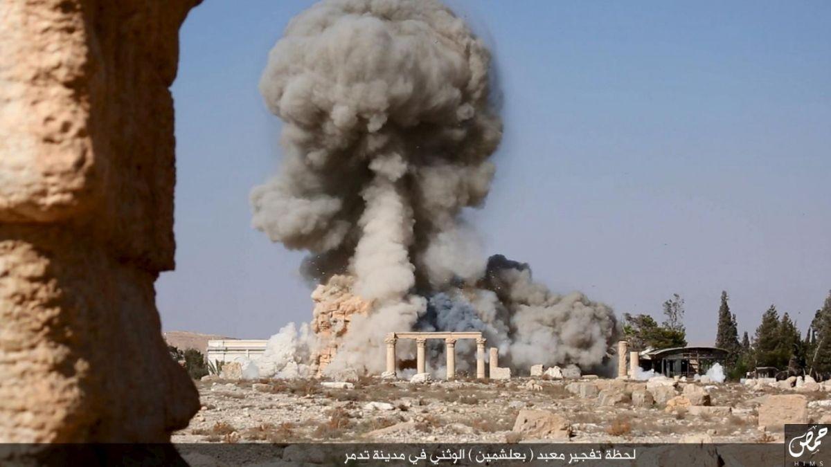 Russia bombing Palmyra