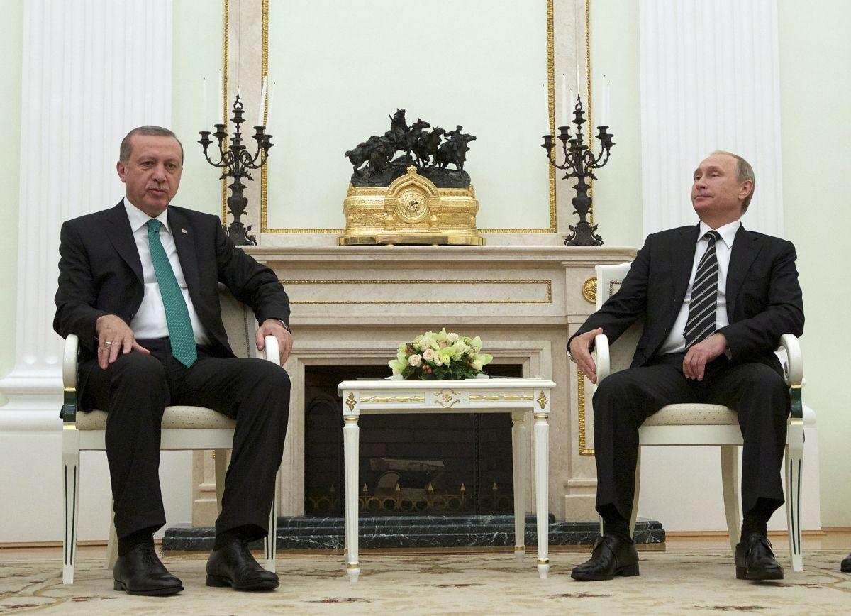 Turkey Warns Russia Air Violations