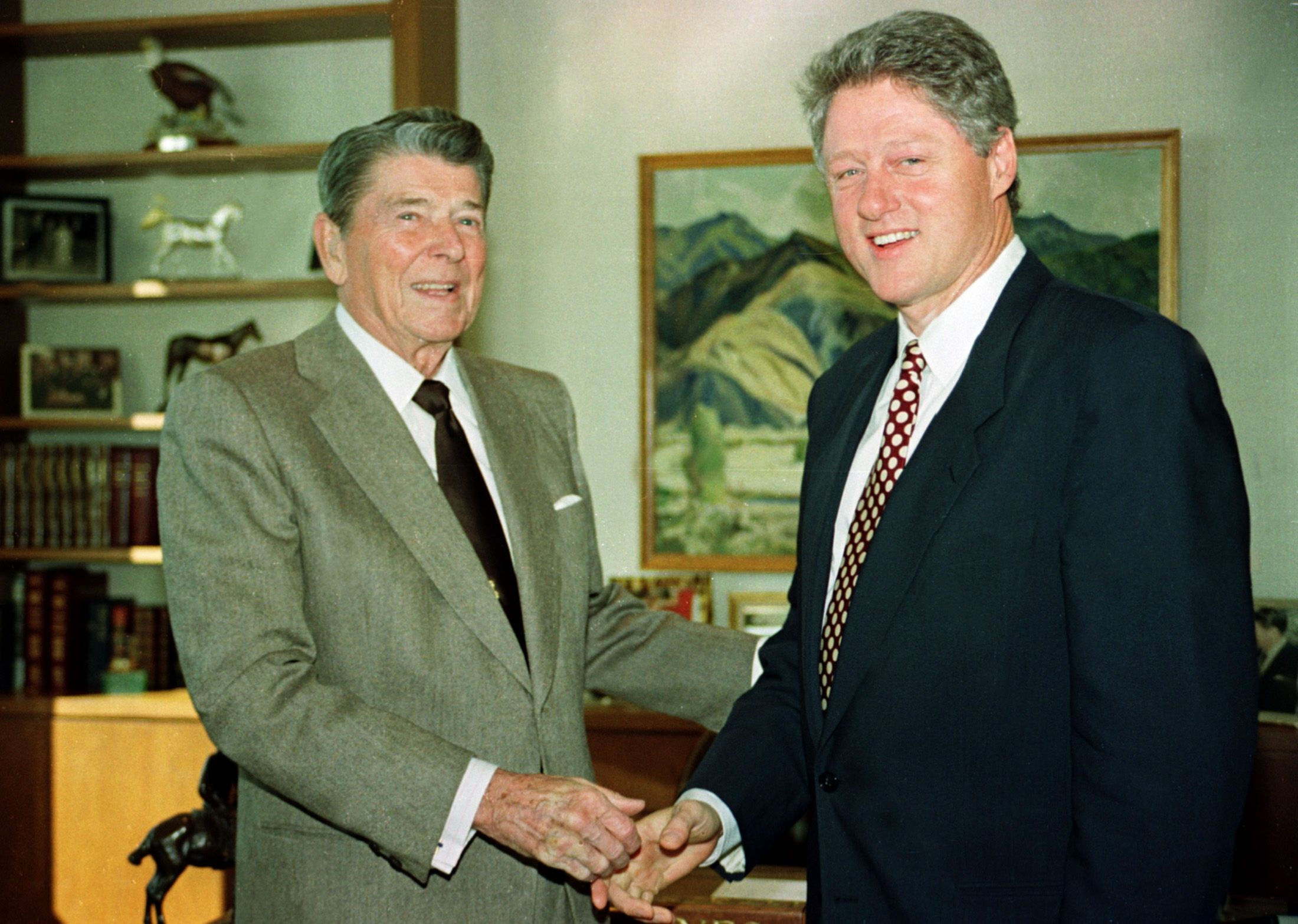 Hindsight helps make sense of the clintons presidency - Bill clinton years in office ...