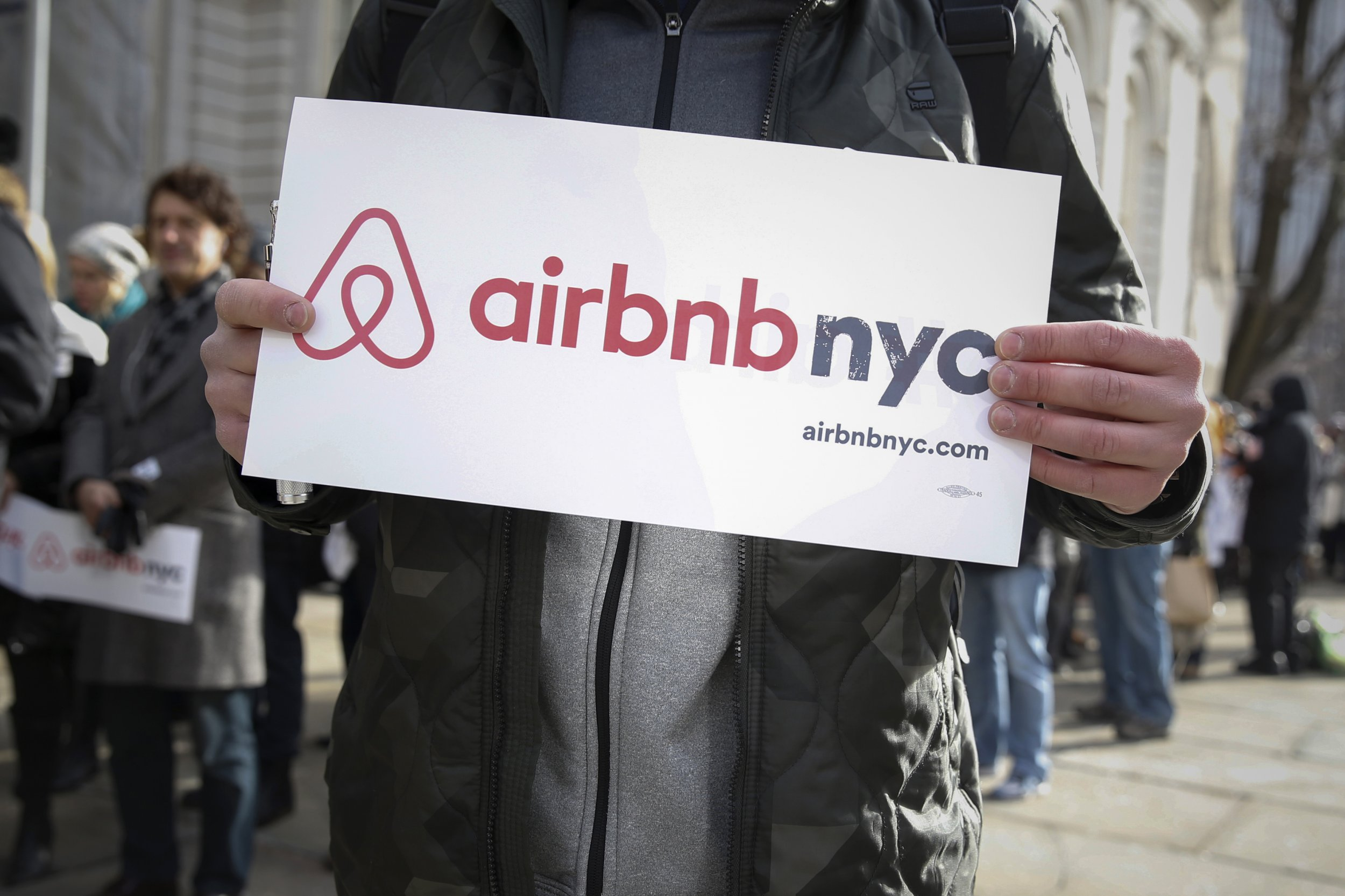 brian chesky  ceo of airbnb  on his disruptive idea that