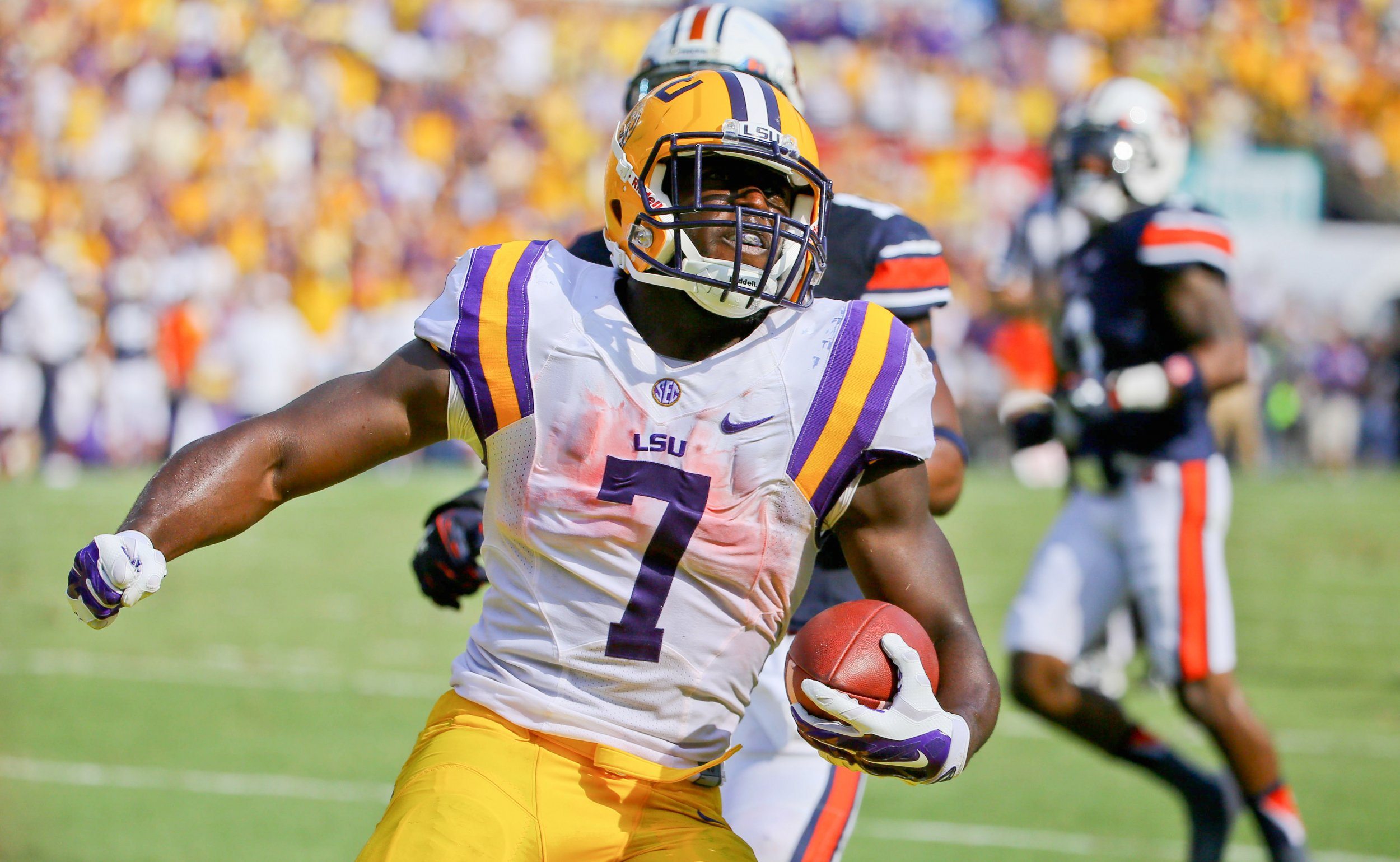 innovative design 99a5c ce7f6 LSU Player Leonard Fournette Will Auction off Jersey for ...