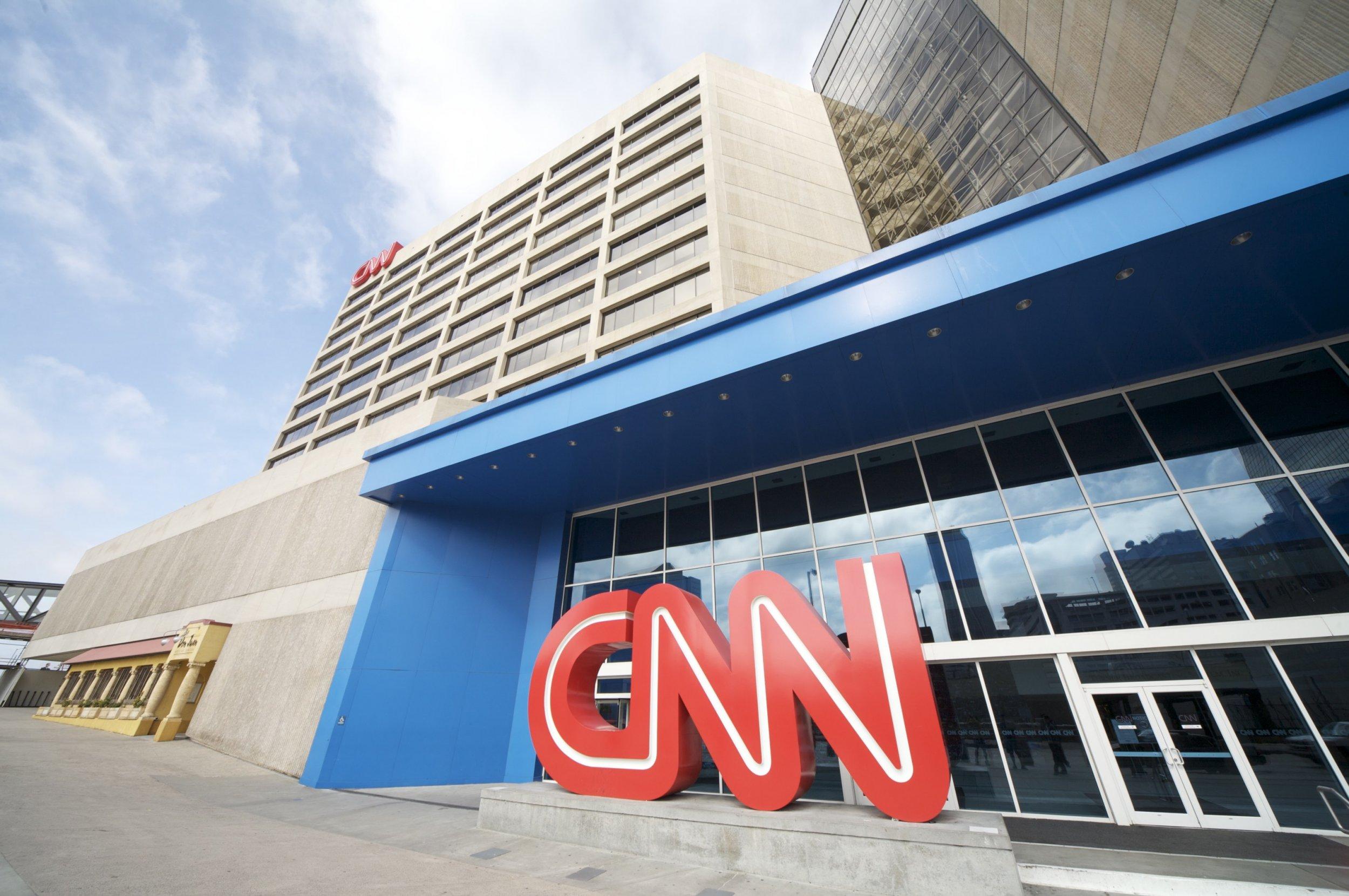 10_12_CNN_debate_02