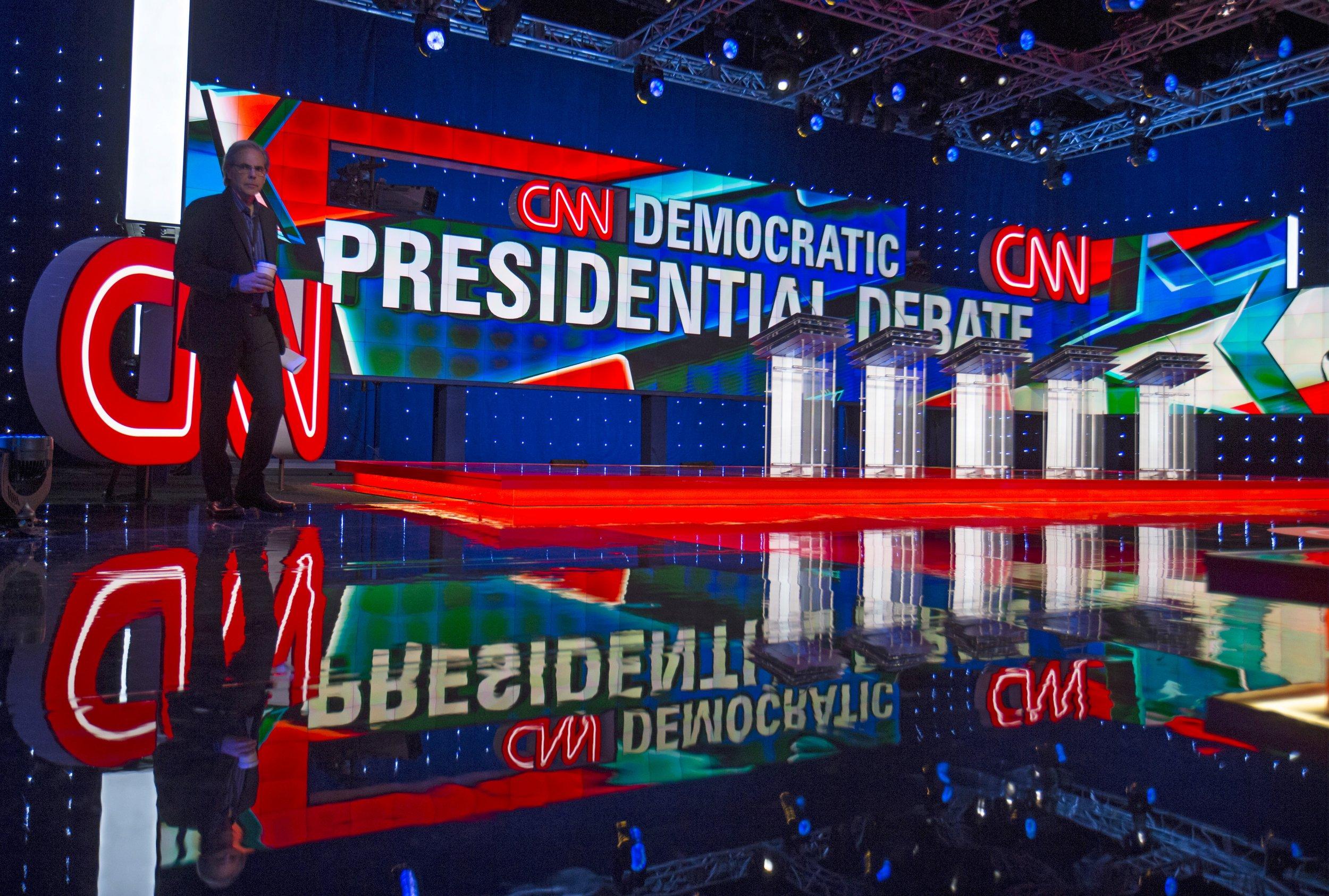 10_13_Democrats_Debate_01