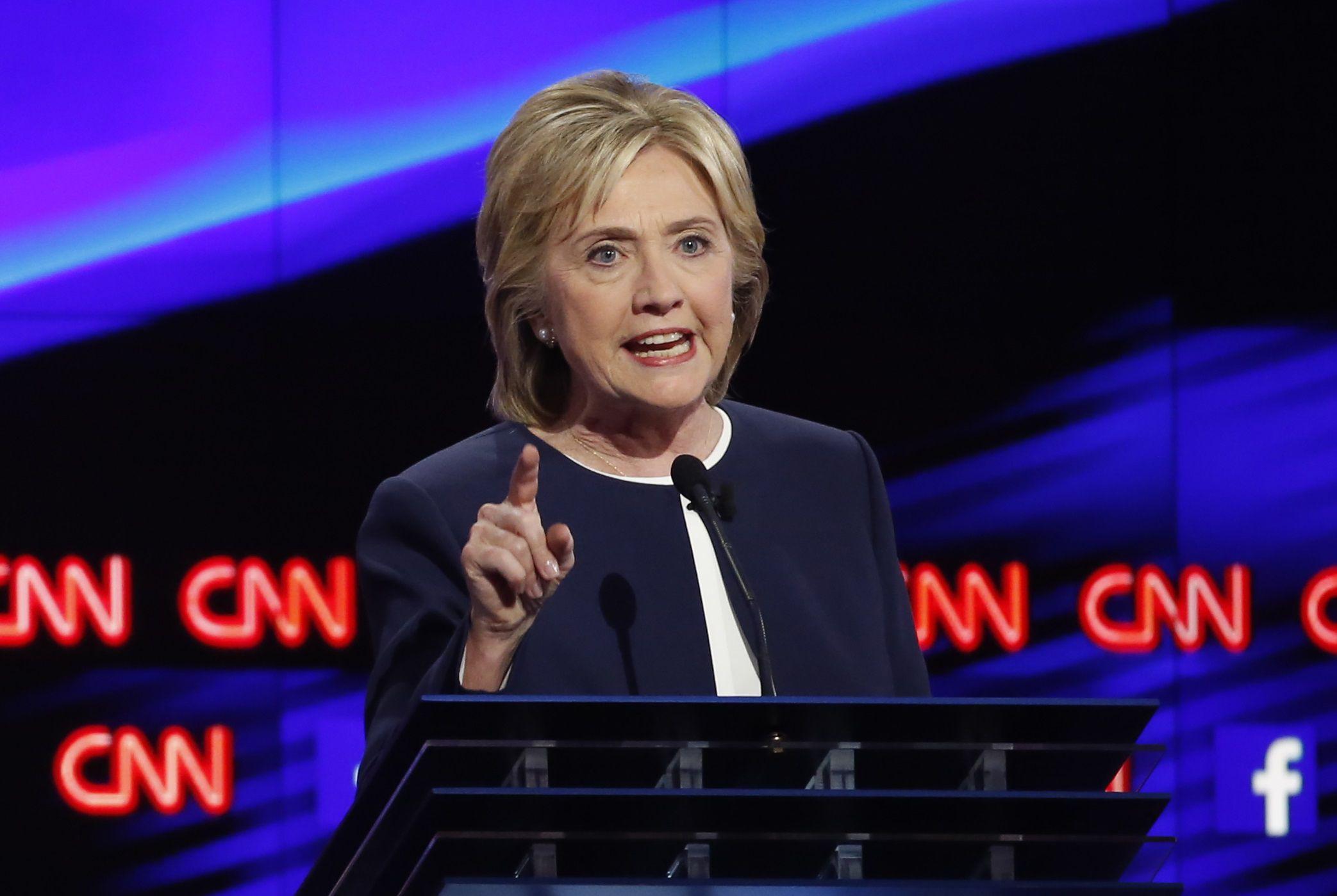 10_14_HillaryClintonDebate_01