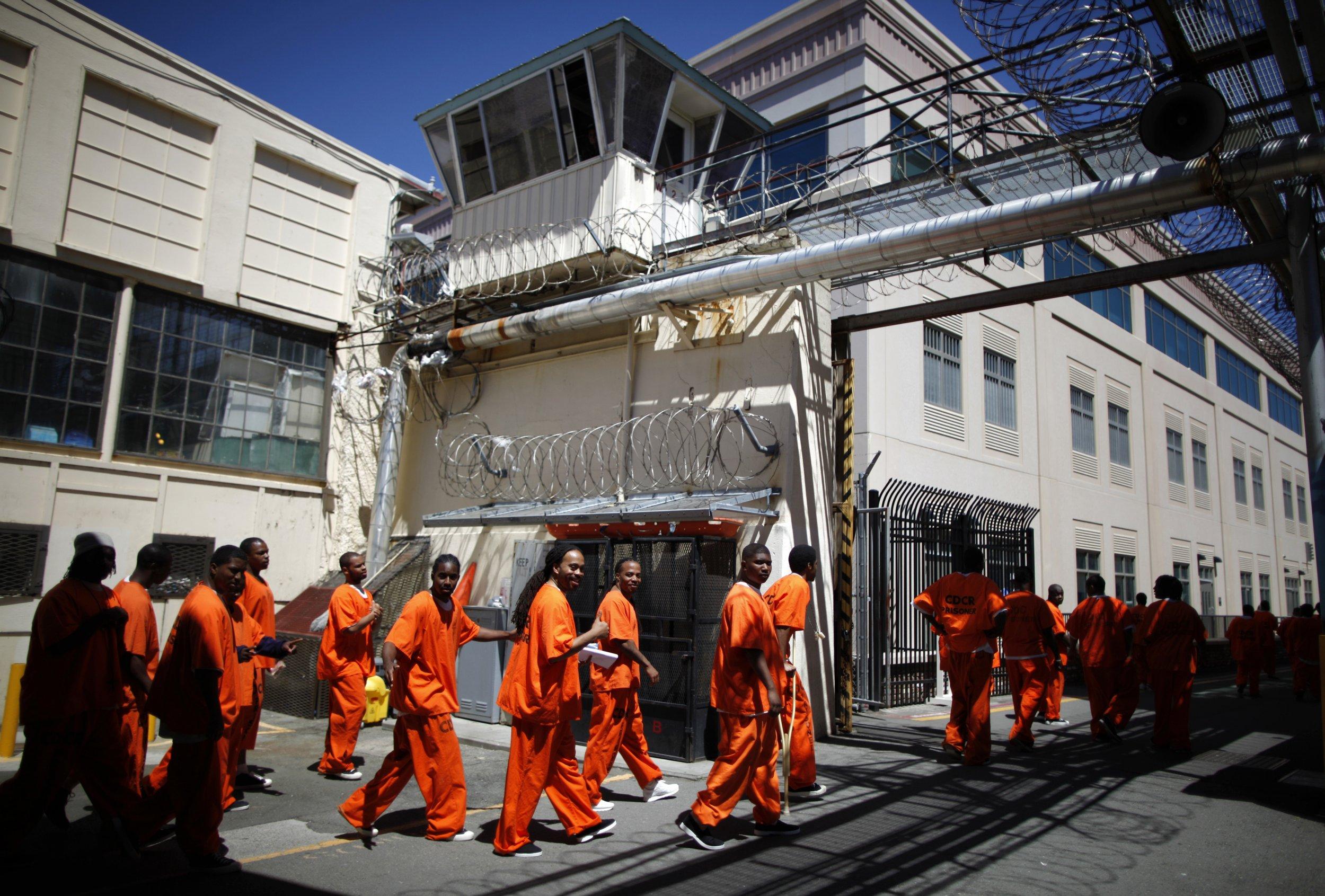 10_14_Prisoners_01