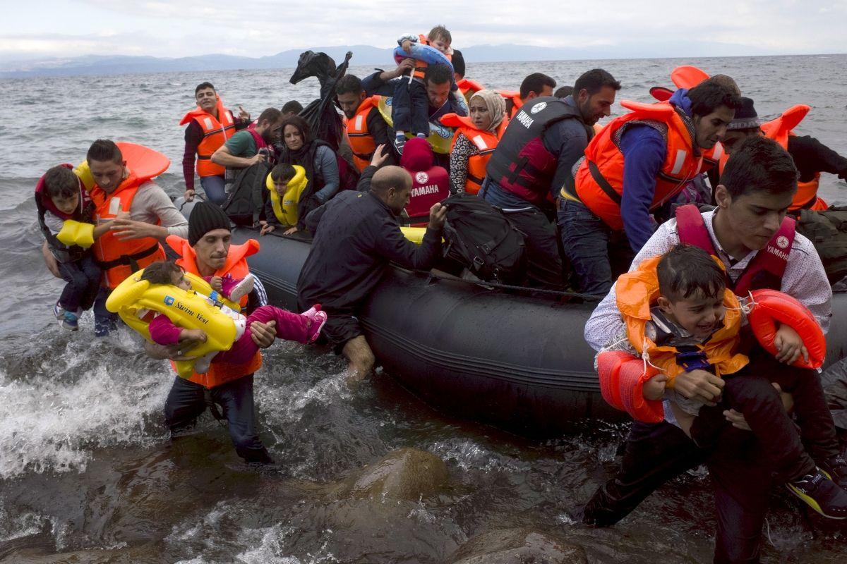 German Politicians Board Migrant Boat in Berlin
