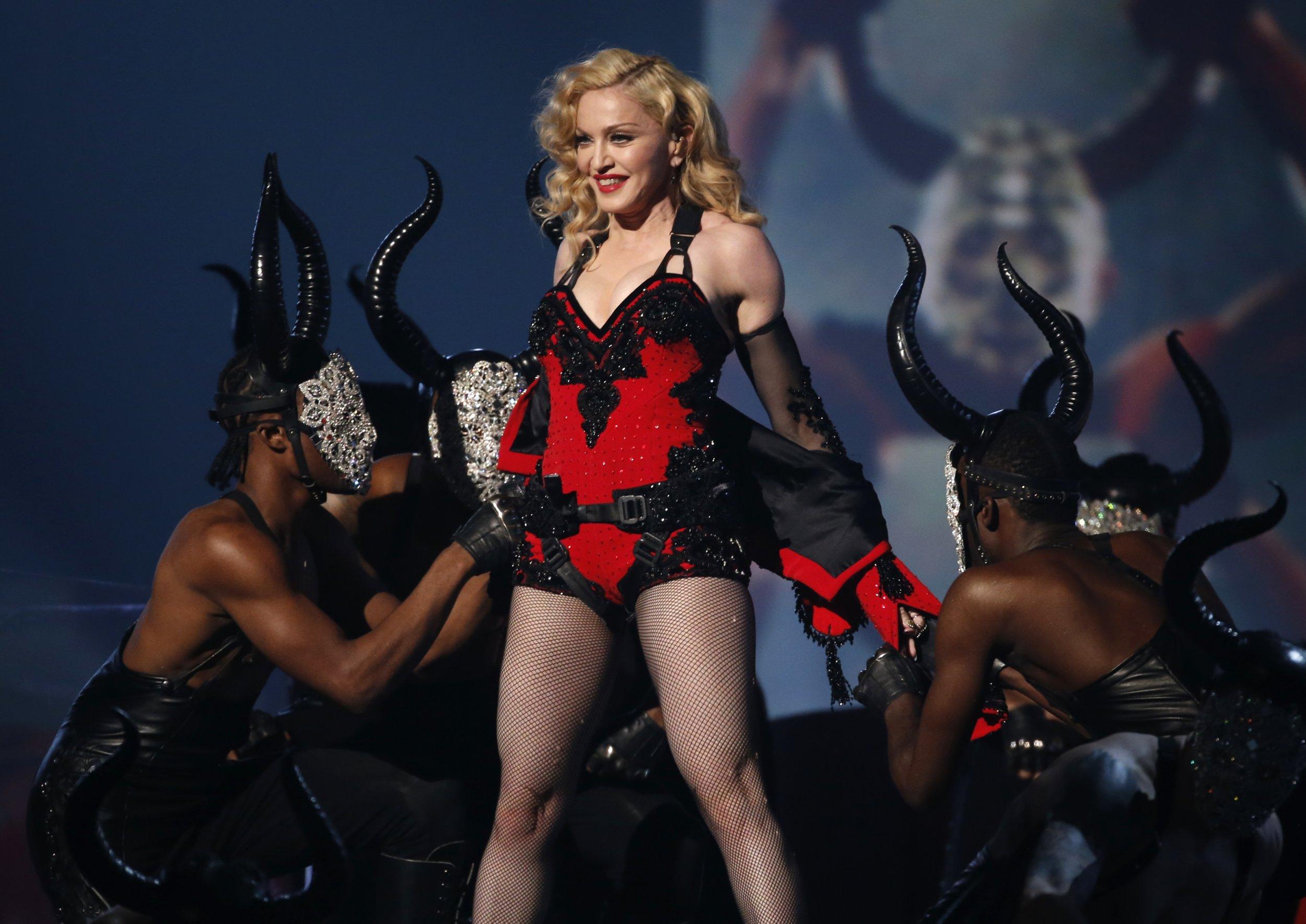 10_16_Madonna_01