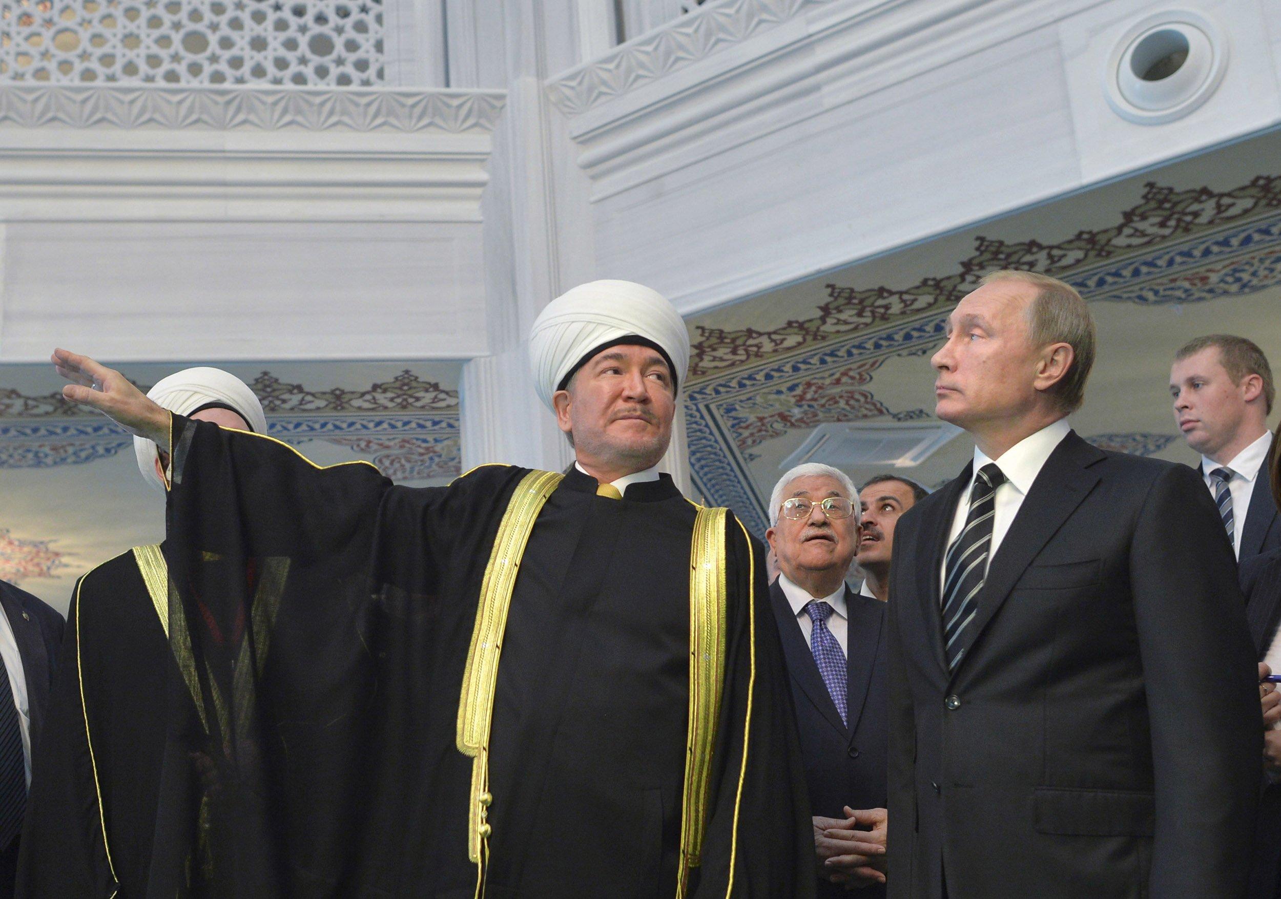10_30_RussiaMuslims_01