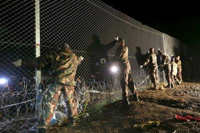 10_17_2015_hungary_migrants