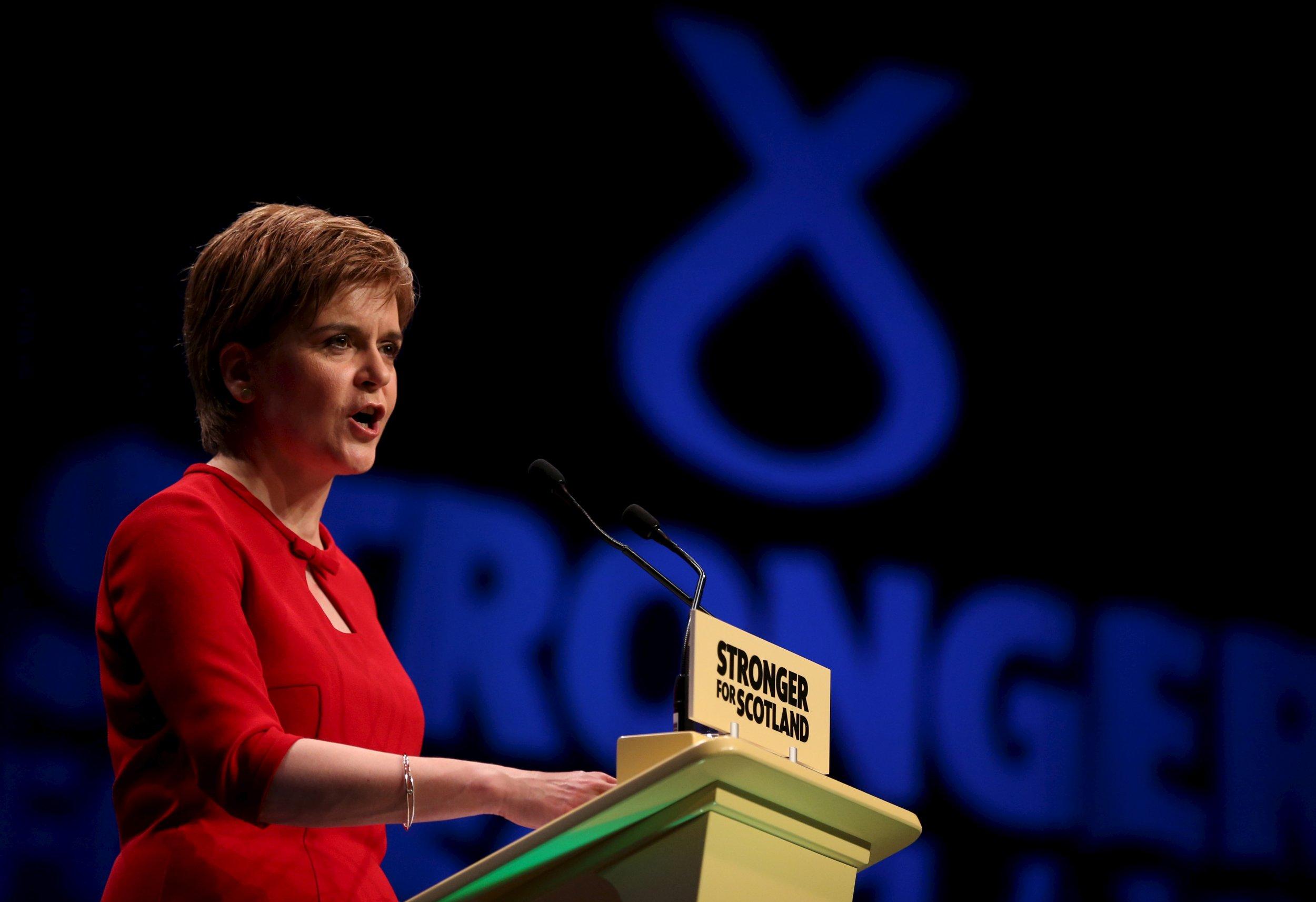 10_17_2015_scotland_sturgeon