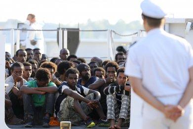 10_19_italy_immigrants_01