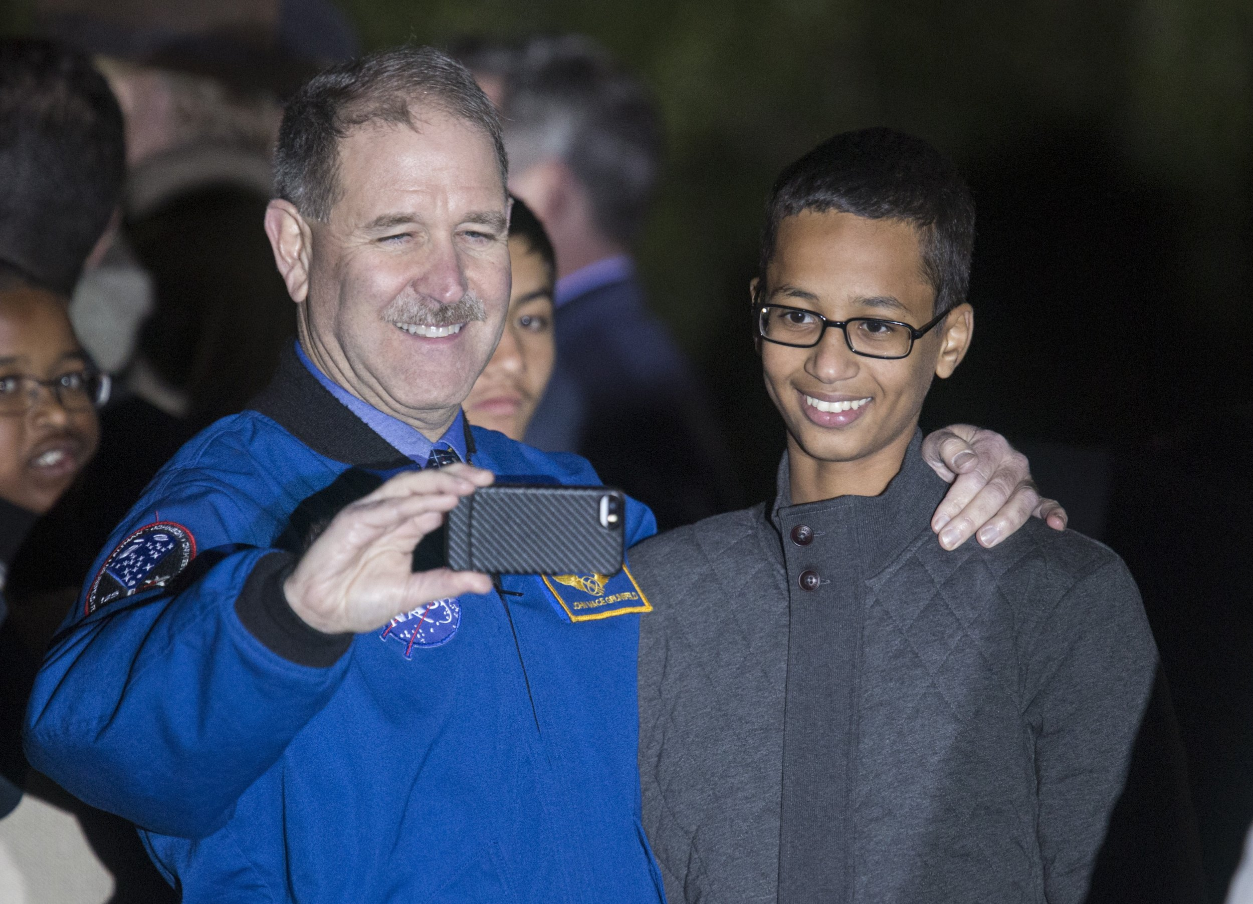 1020_Ahmed_Mohamed_White_House_01