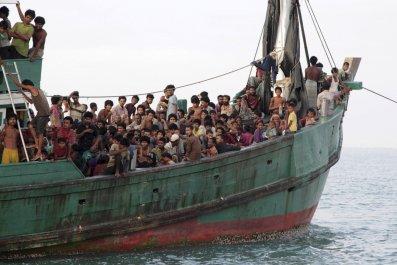 1020_rohingya_boat