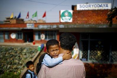 1023_Nepal_earthquake_aftermath_01