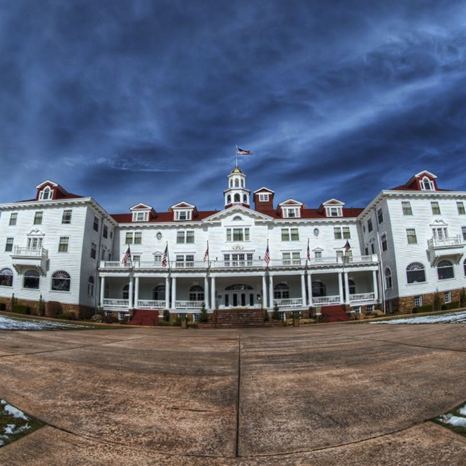 The Hotel From The Shining And Other Iconic Well Preserved Hollywood Film Settings