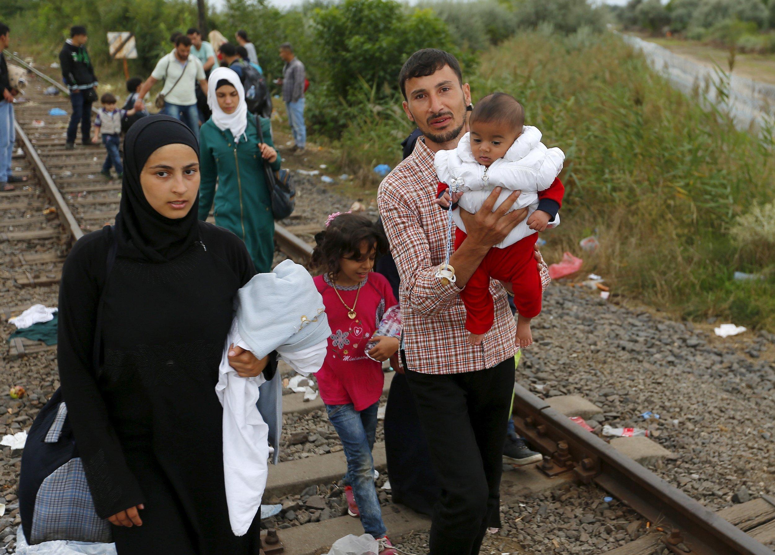 11_02_MuslimRefugees_01