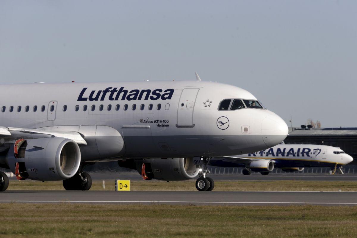 Lufthansa aircraft in Riga
