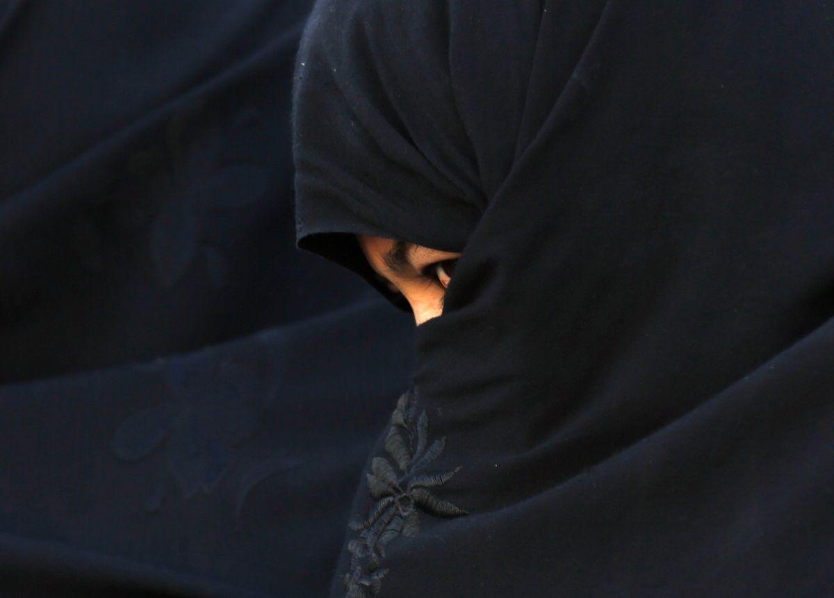 Afghan woman in Ghor