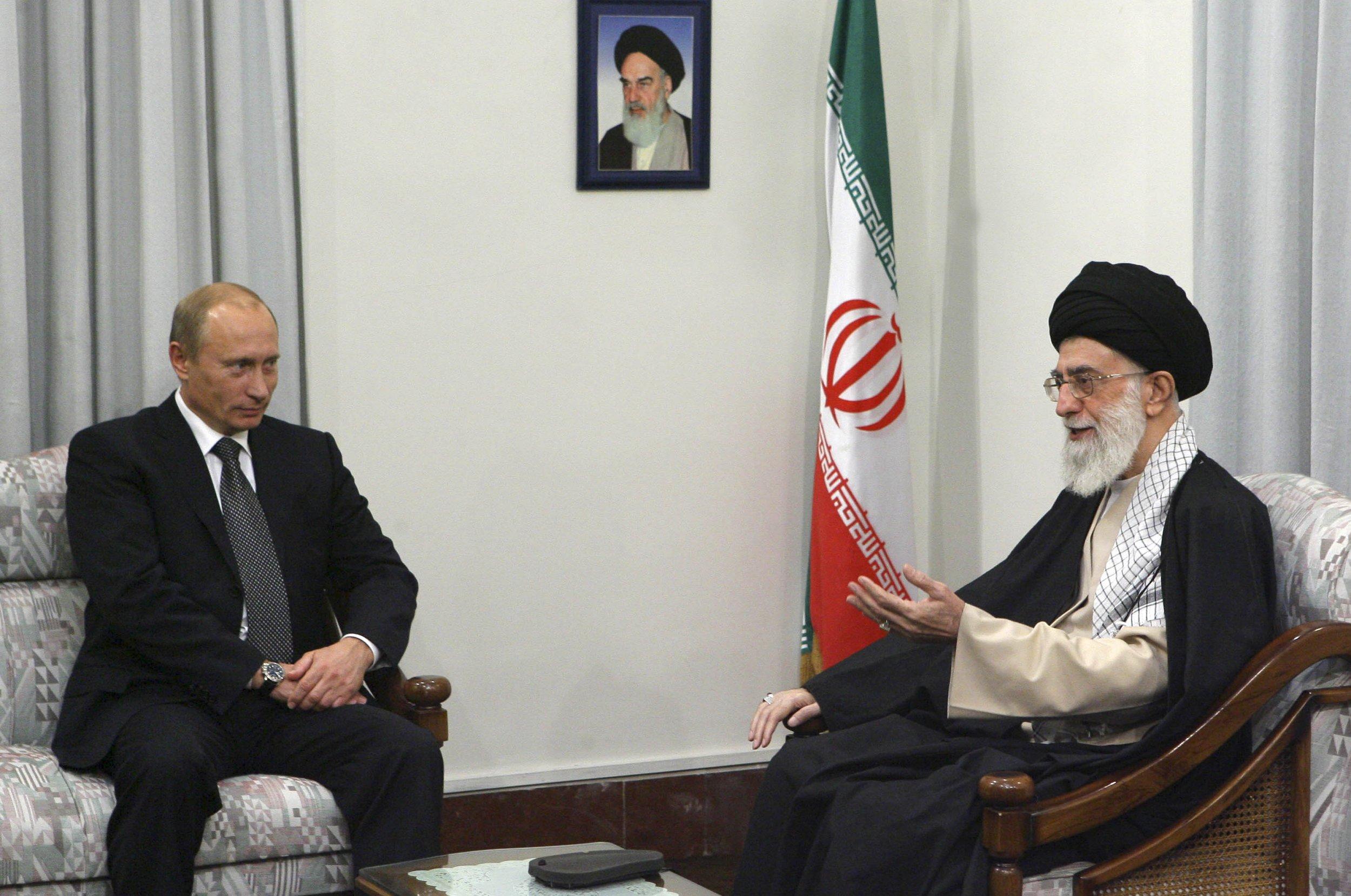 Resultado de imagem para putin khamenei