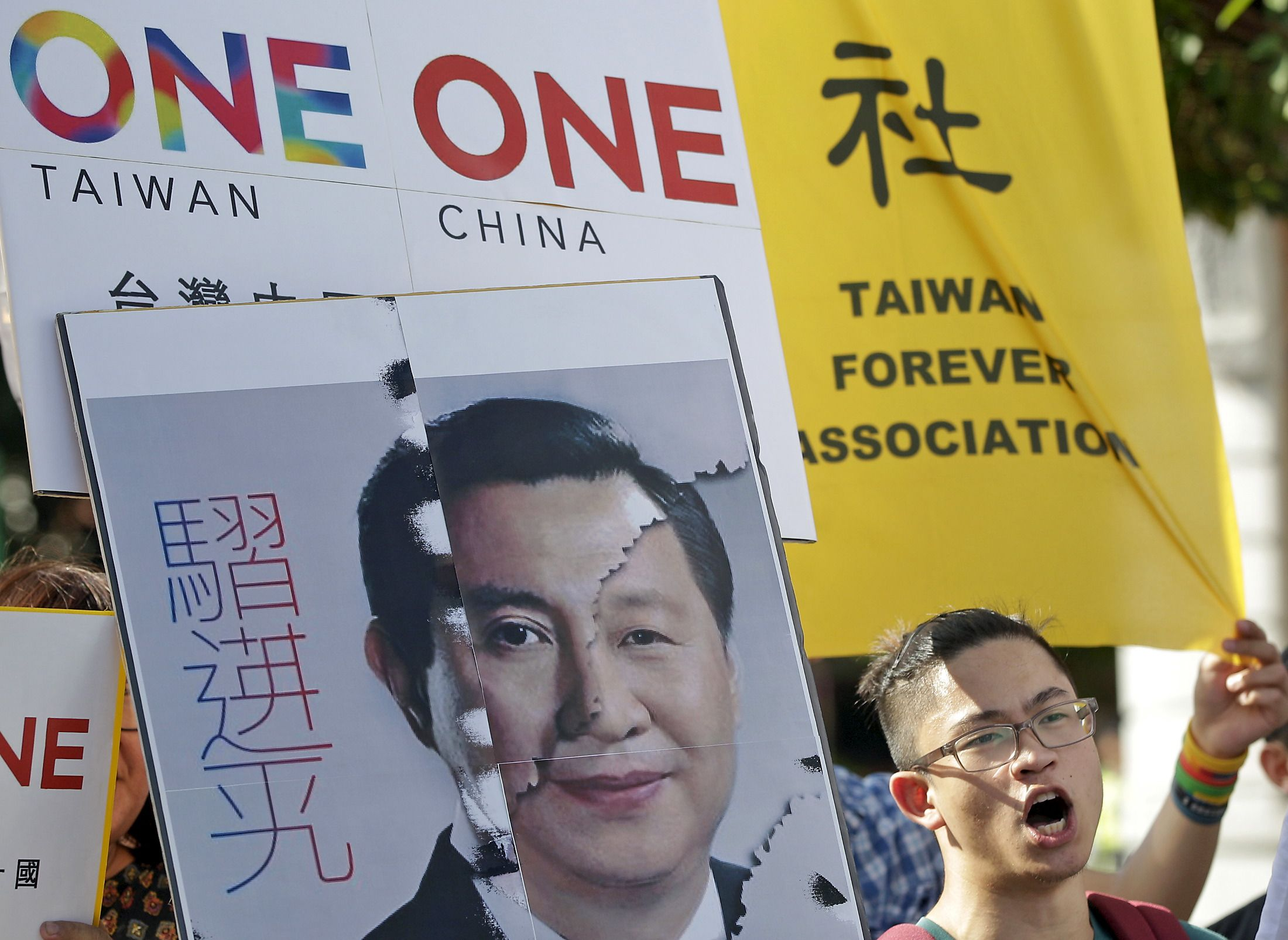 Newsweek: 為什麼兩岸元首現在做了自1949年來首度會面? Why the Leaders of China and Taiwan Are Meeting for the First Time Since 1949