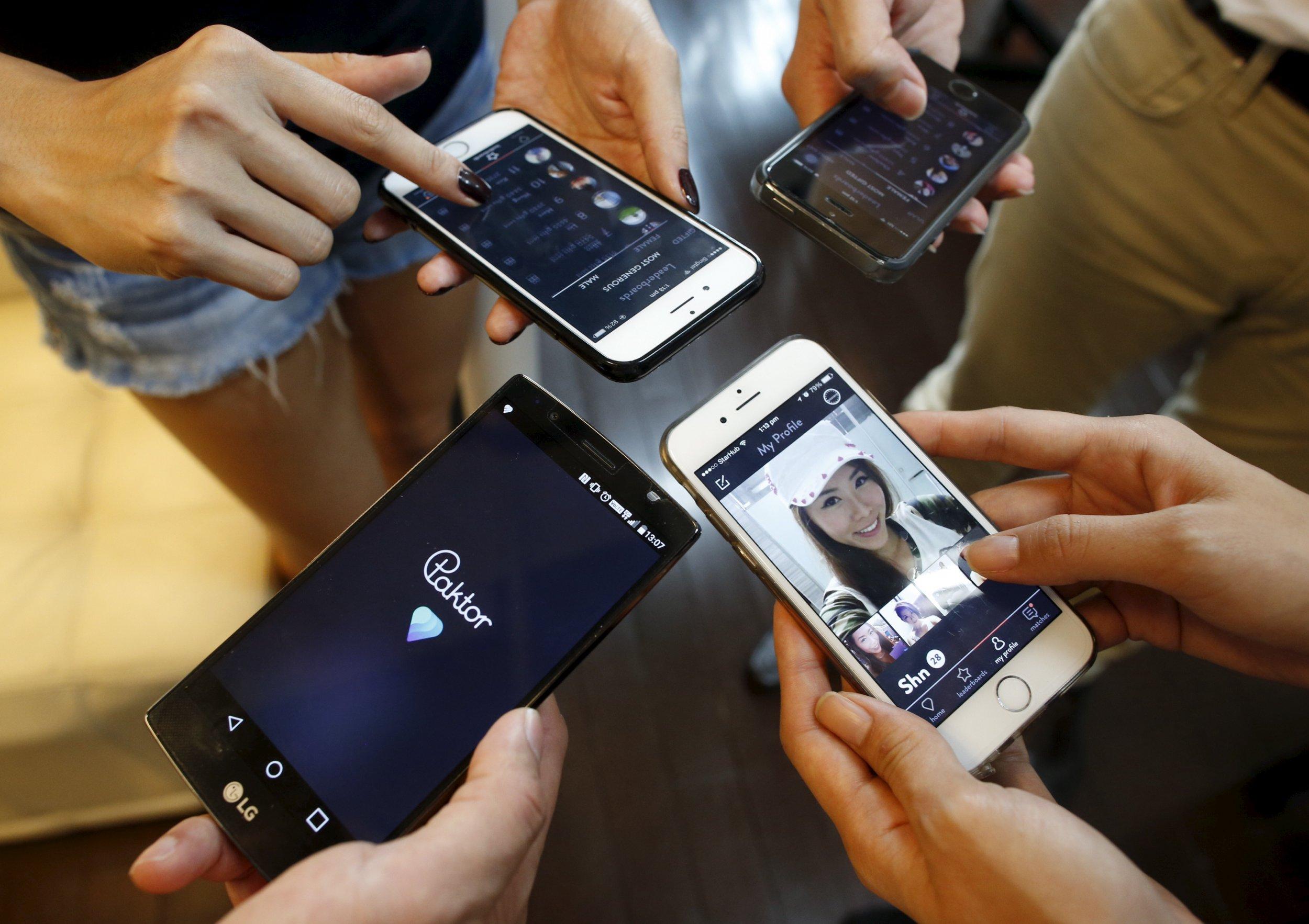 11_06_Smartphones_01