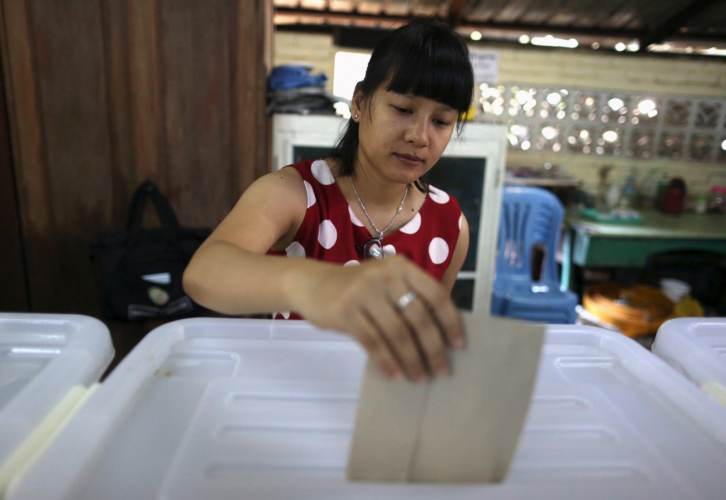 1106_myanmar_election1