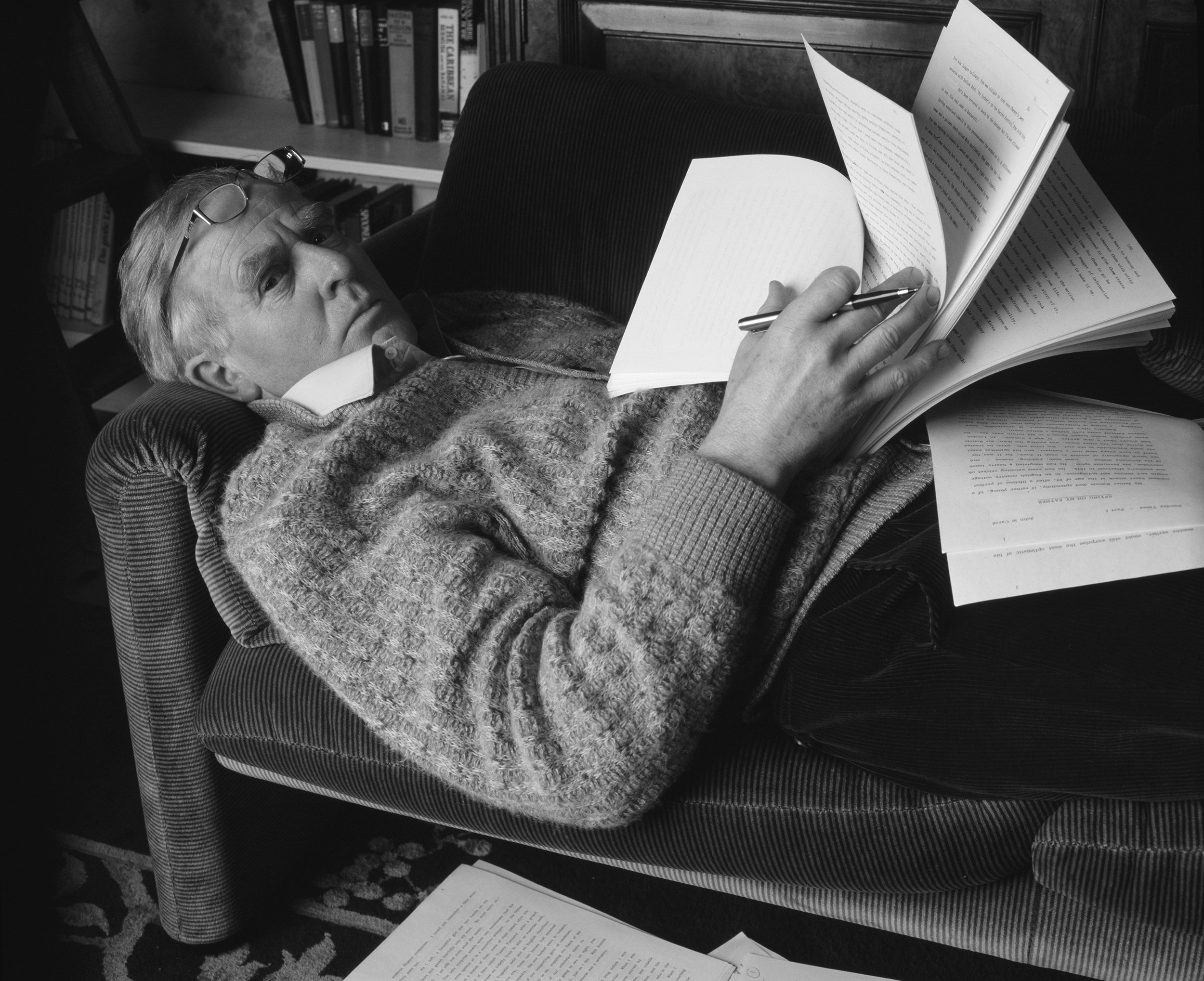 New John le Carré Biography Attempts to Unravel the Spy Writer's Mystique