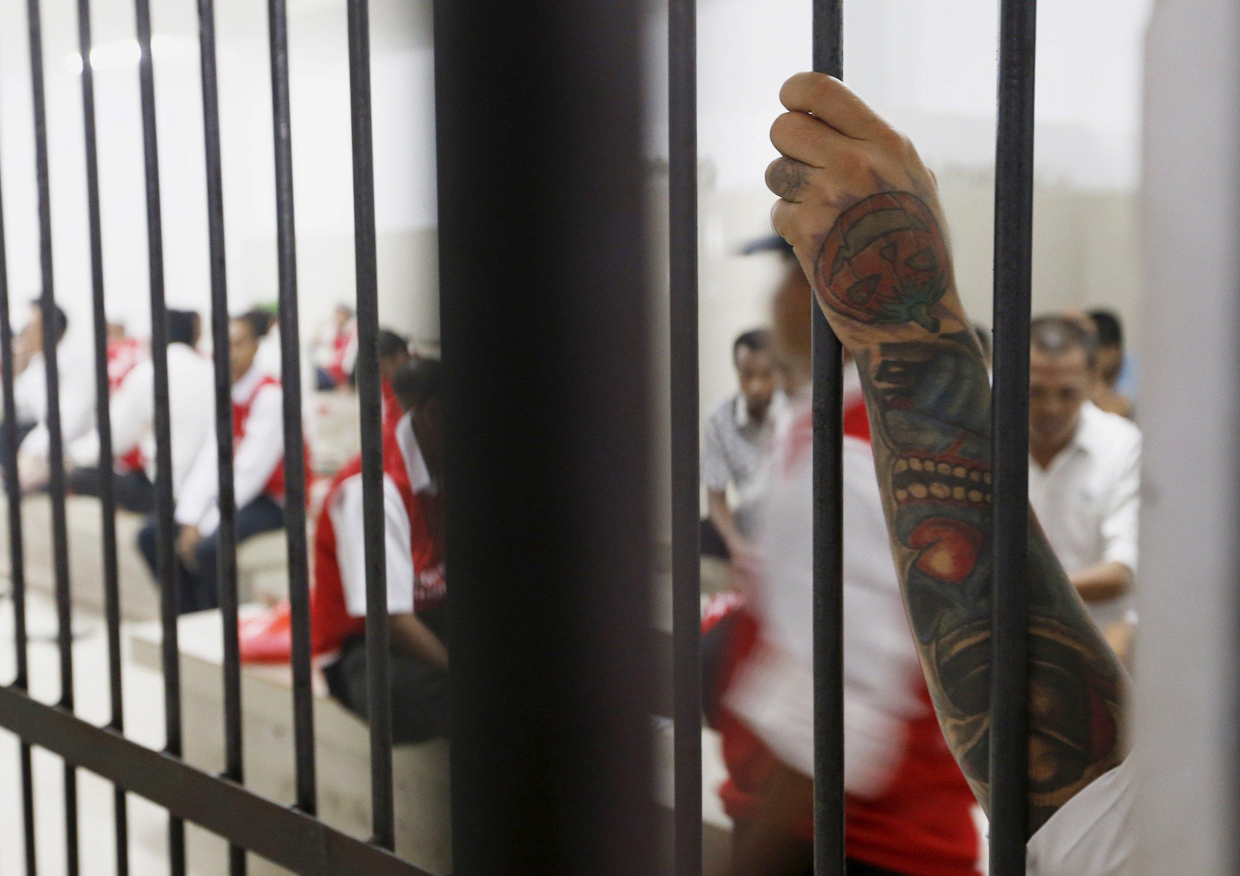 11_10_Drug_Addicts_Prison_01